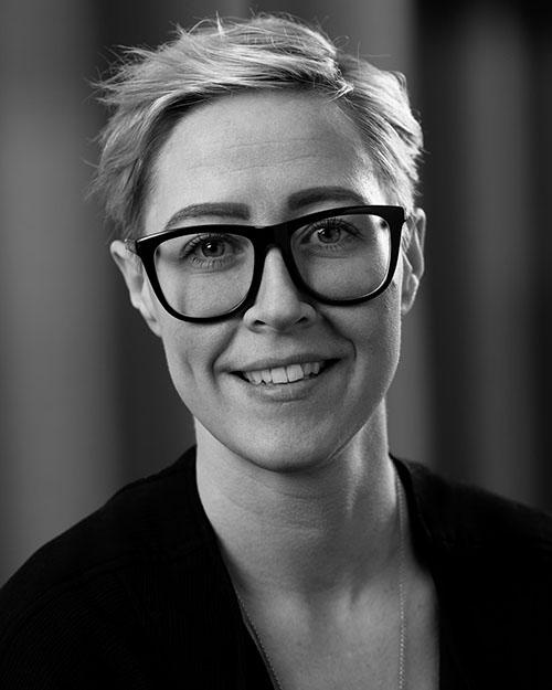 Emilia Nydén, säljare på Gardinfabriken.